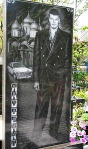 russian_mafia_tombstones_01