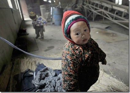 tied_up_chinese_toddlers_04