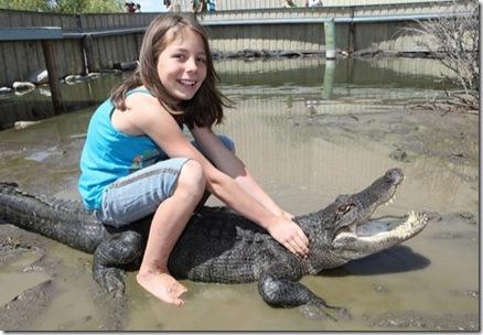 9_year_old_alligator_wrestler_02